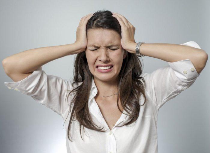 Болит голова после долгого сна утром - причины и лечение | Во сне