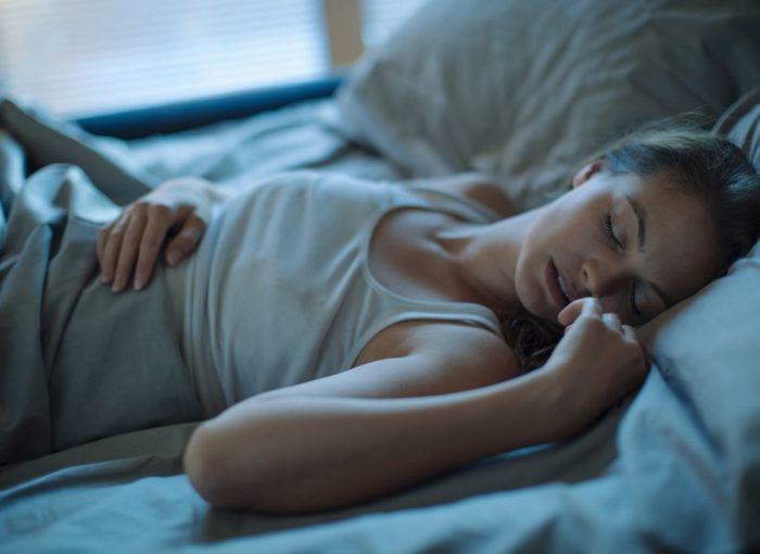 почему во сне текут слюни