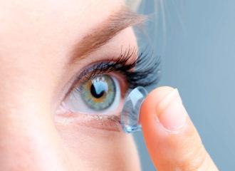 Сон в контактных линзах