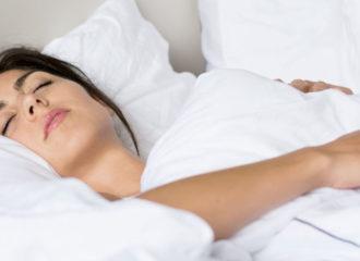 дергаться во сне