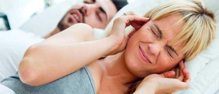 как бороться с храпом мужа